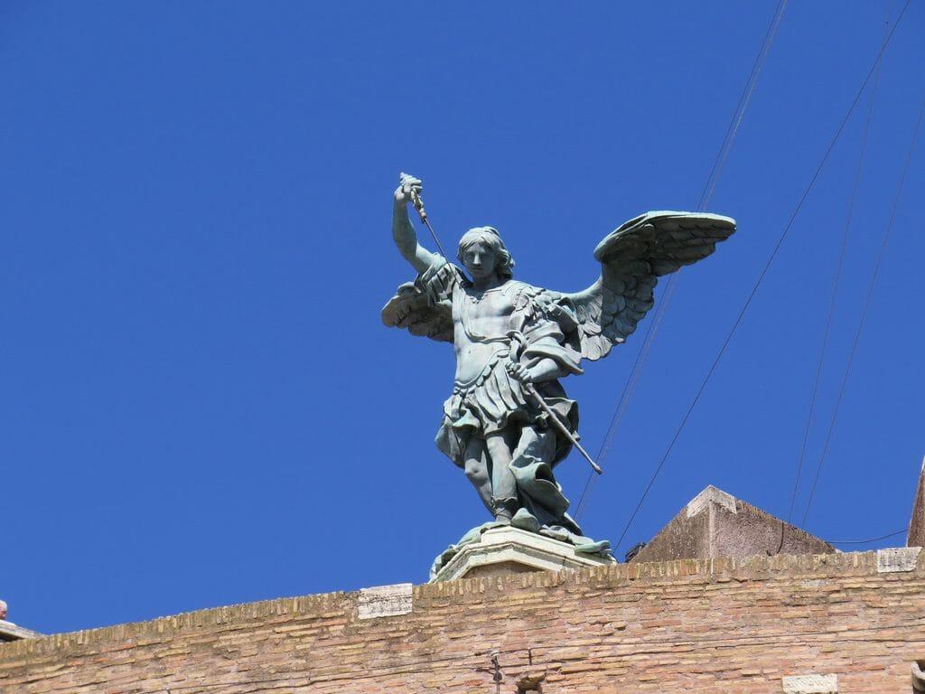 archange statue