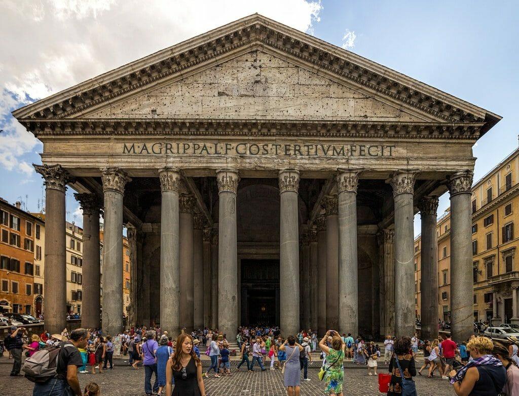 devise du pantheon de rome