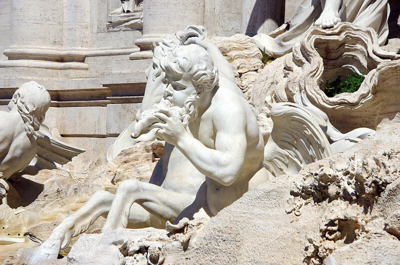 statue fontaine trevi rome