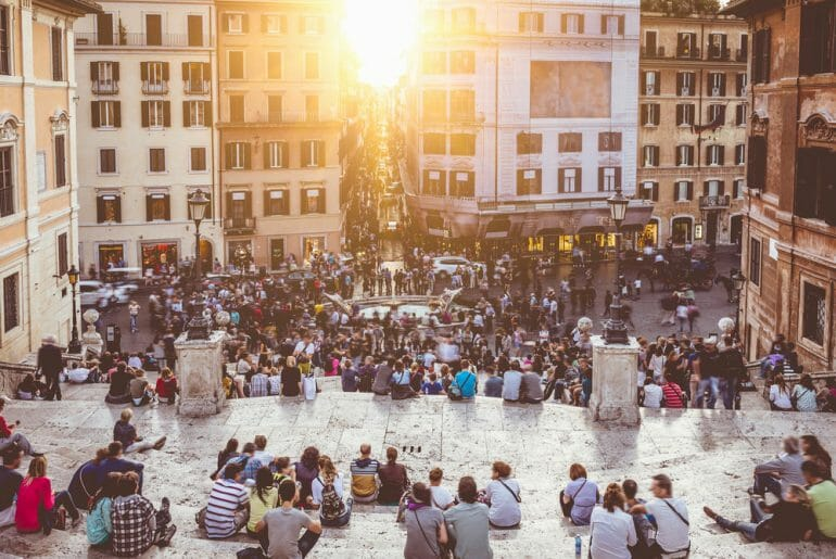 visiter la place d'espagne le soir rome