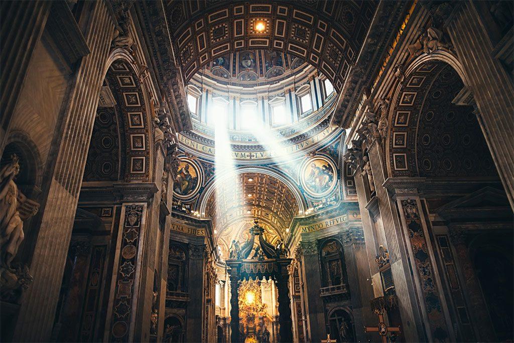 visiter basilique saint pierre vatican rome vue interieur