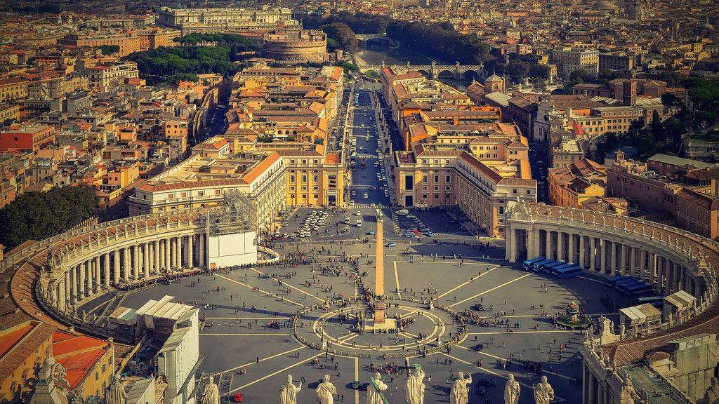 vue aerienne coupole basilique saint pierre vatican rome