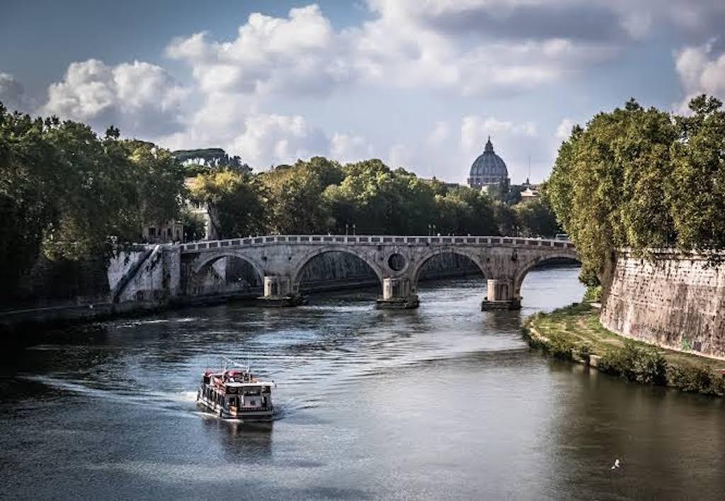 bateaux touristiques transport rome