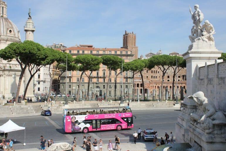 bus hop on hop off transport rome