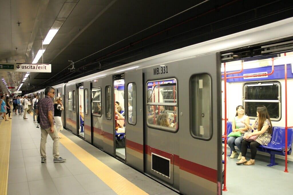 metro transport rome